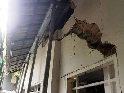Lo sợ sập nhà khi công trình sát vách thi công