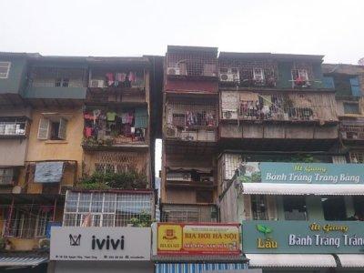 Nhà xuống cấp nguy hiểm: Khó di dời chủ sở hữu, vì sao?