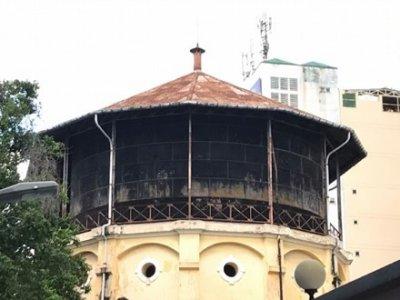 """Cận cảnh 7 thủy đài """"khổng lồ"""" sắp bị phá dỡ ở Sài thành"""