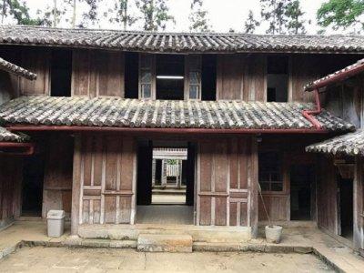 Cấp 'sổ đỏ' dinh thự Vua Mèo: Tỉnh Hà Giang 'hô biến' quyền quản lý thành quyền sở hữu di tích