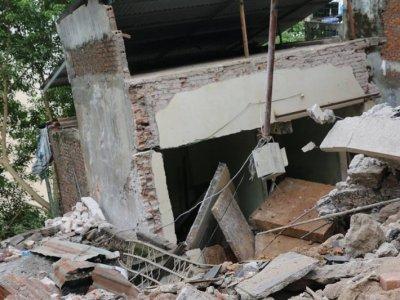 Xác định nguyên nhân ban đầu vụ nhiều nhà sụt xuống sông Đà
