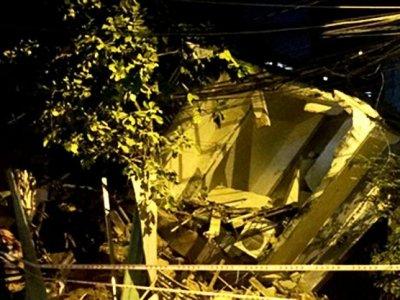 Ngôi nhà 3 tầng ở Sài Gòn đổ sập trong đêm
