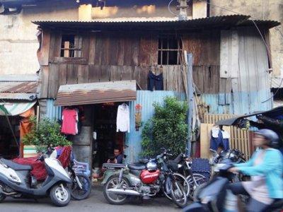 Nhà trên vỉa hè Sài Gòn được mua 53 triệu đồng/m2